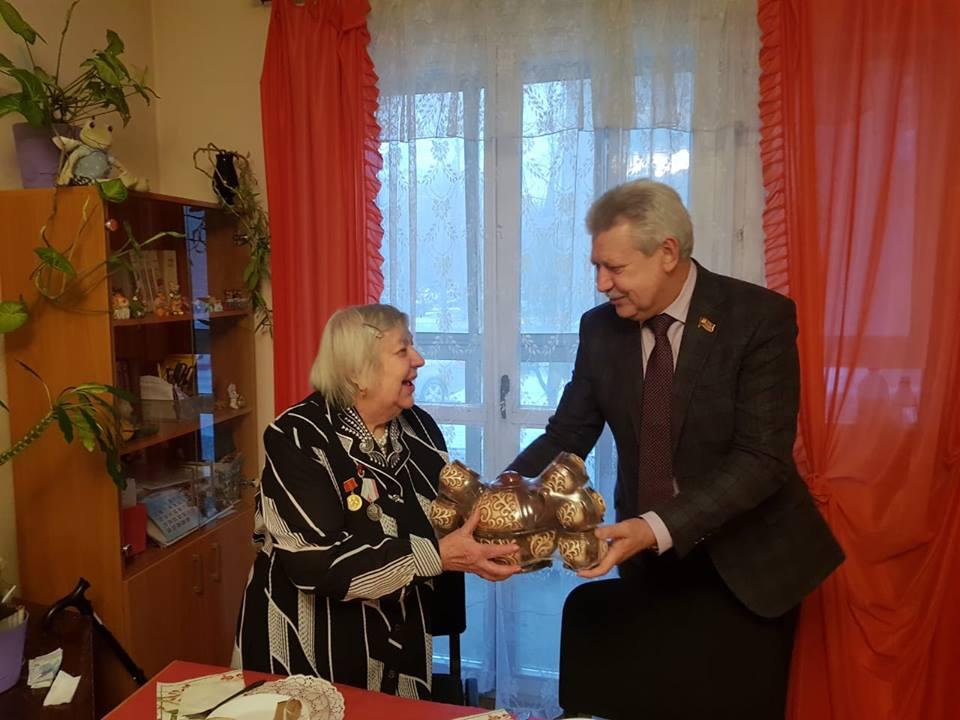 М. Антонцев поздравил председателя Общества инвалидов Царицыно с юбилеем
